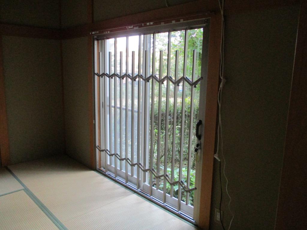 防衛くん設置例4)和室掃き出し窓に