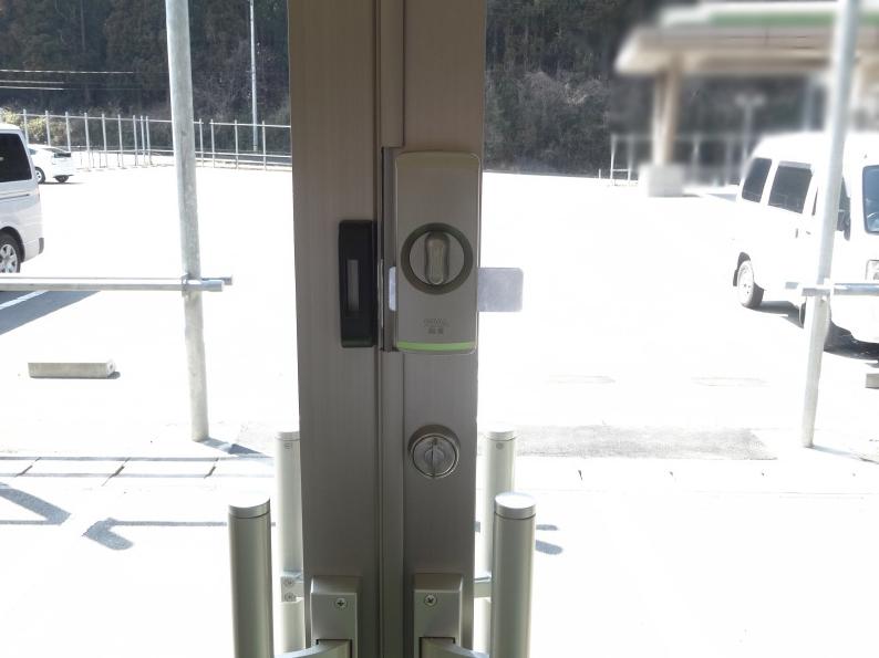 ME-5設置後扉閉内側